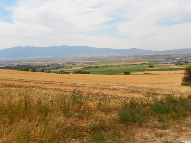 Additional photo for property listing at 1050 E 600 S 1050 E 600 S Smithfield, Utah 84335 États-Unis