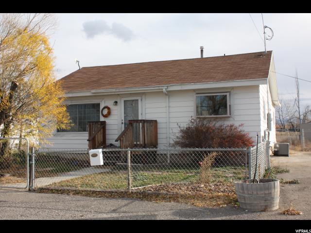 单亲家庭 为 销售 在 823 S 400 E Price, 犹他州 84501 美国