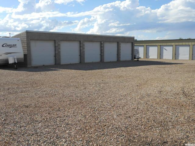 Additional photo for property listing at 379 N AIRPORT Road 379 N AIRPORT Road Cedar City, 犹他州 84721 美国