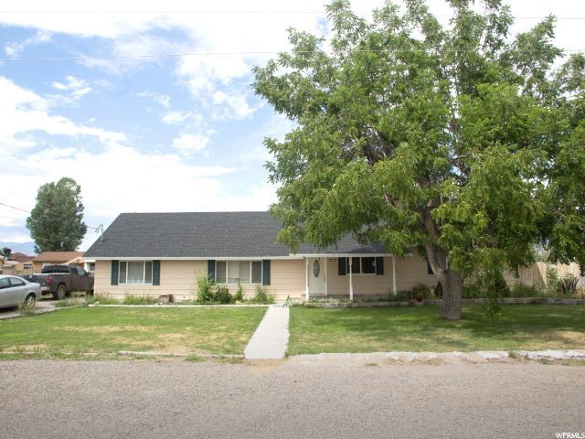 单亲家庭 为 销售 在 57 N 300 W Monroe, 犹他州 84754 美国