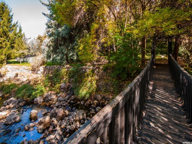 Terrain pour l Vente à 6114 S HOLLADAY Boulevard Holladay, Utah 84121 États-Unis
