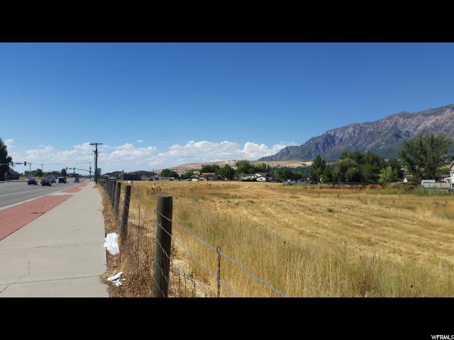 Terrain pour l Vente à 1956 N HWY 89 Harrisville, Utah 84404 États-Unis