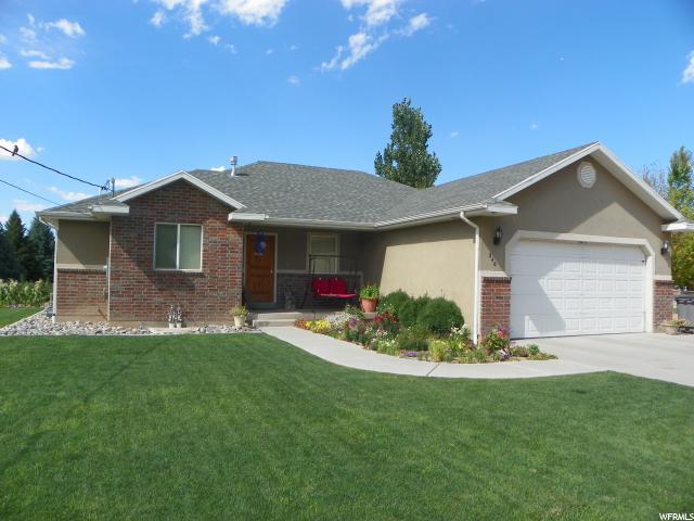 单亲家庭 为 销售 在 240 W 200 S Monroe, 犹他州 84754 美国