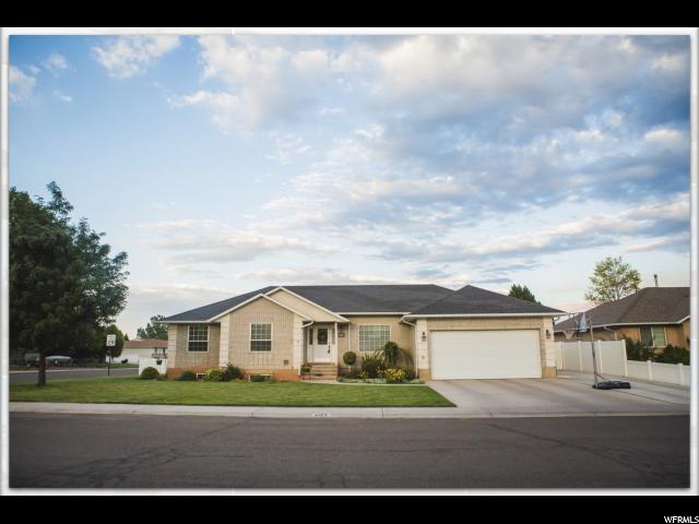 单亲家庭 为 销售 在 1055 S 800 W Richfield, 犹他州 84701 美国
