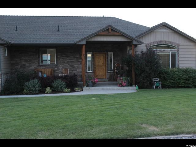 单亲家庭 为 销售 在 493 N STATE Street Richmond, 犹他州 84333 美国