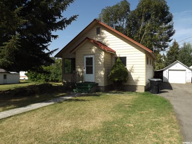 Один семья для того Продажа на 121 N 200 E Soda Springs, Айдахо 83276 Соединенные Штаты