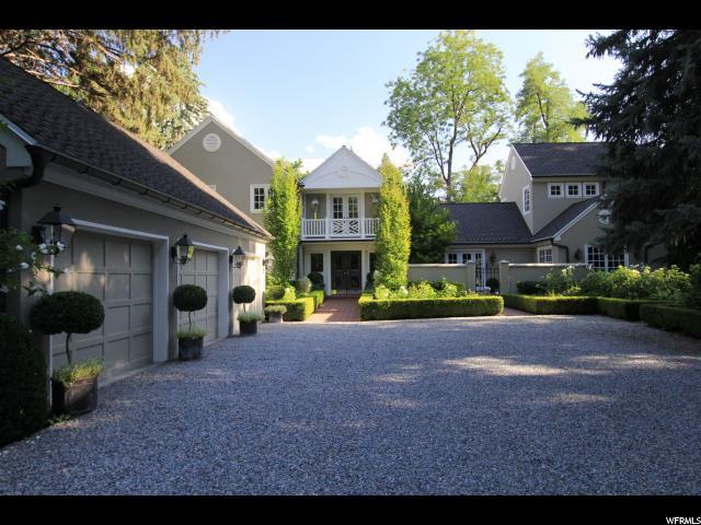 单亲家庭 为 销售 在 2310 E WALKER Lane 霍拉迪, 犹他州 84117 美国