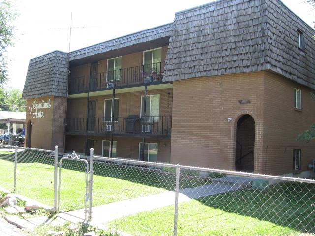 Maison unifamiliale pour l Vente à 2707 S ADAMS South Salt Lake, Utah 84115 États-Unis
