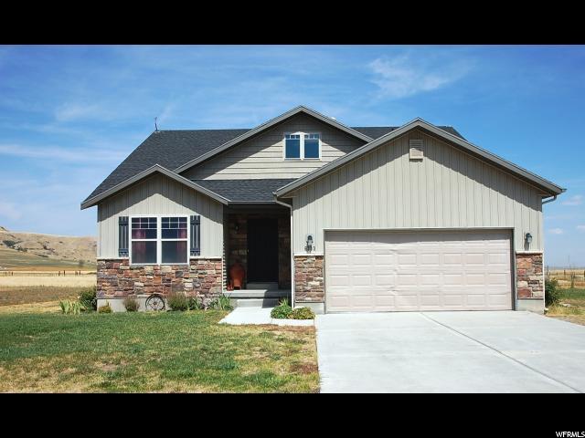 单亲家庭 为 销售 在 6333 W 2000 N Petersboro, 犹他州 84325 美国