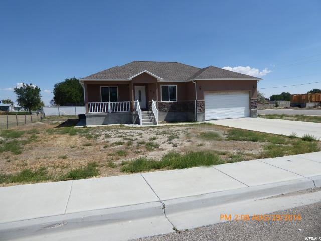 Один семья для того Продажа на 410 N 300 W Huntington, Юта 84528 Соединенные Штаты