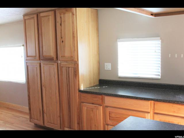 Additional photo for property listing at 6695 E 6750 S 6695 E 6750 S Vernal, 犹他州 84078 美国