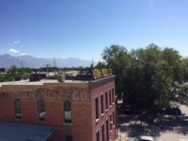 Additional photo for property listing at 741 S 400 W 741 S 400 W Salt Lake City, Utah 84101 États-Unis