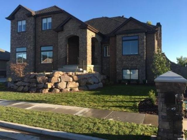 单亲家庭 为 销售 在 939 W 3150 S Syracuse, 犹他州 84075 美国