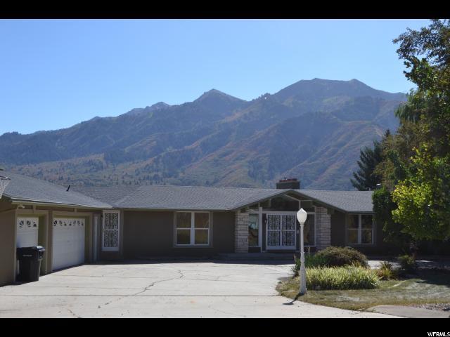 Unique la famille pour l Vente à 5525 W MOUNTAIN VIEW Drive Mountain Green, Utah 84050 États-Unis