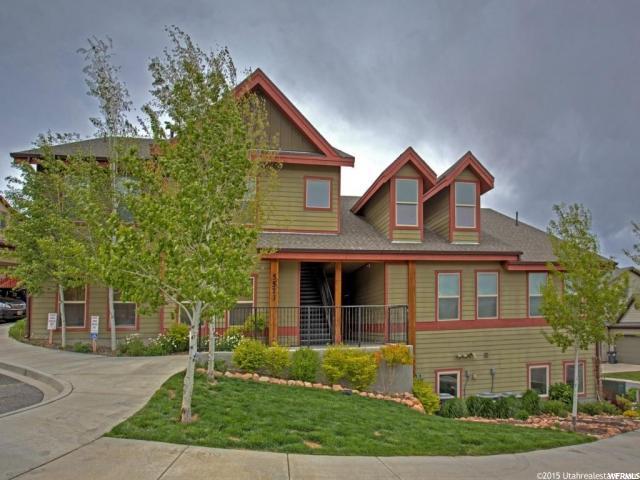 Appartement en copropriété pour l Vente à 5573 N OSLO Lane 5573 N OSLO Lane Unit: 203 Kimball Junction, Utah 84098 États-Unis