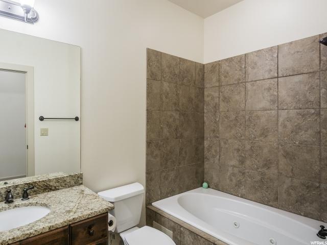 Additional photo for property listing at 2011 S 2100 E 2011 S 2100 E Unit: 200 Salt Lake City, Utah 84108 United States