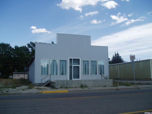 Commercial للـ Sale في 020000130016, 14 N MAIN 14 N MAIN Grace, Idaho 83241 United States