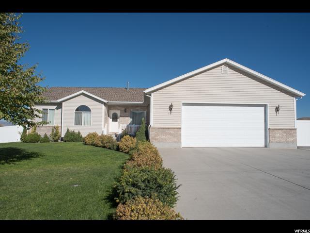 单亲家庭 为 销售 在 615 CHERRY CREEK PKWY Richmond, 犹他州 84333 美国