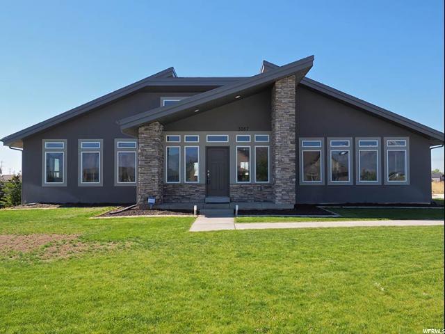 单亲家庭 为 销售 在 3057 W RED SAND Road West Haven, 犹他州 84401 美国