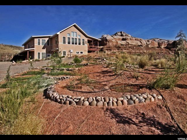 Unifamiliar por un Venta en 111 W CALF CANYON Road Bluff, Utah 84512 Estados Unidos