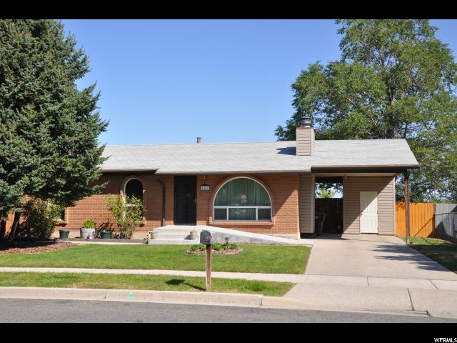 6462 W KINGS ESTATE DR, West Valley City UT 84128