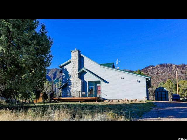 单亲家庭 为 销售 在 844 E CEDAR BERRY Lane Pine Valley, 犹他州 84781 美国