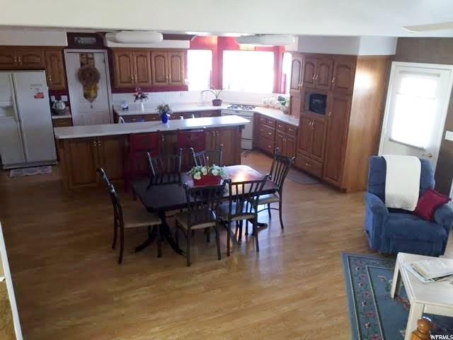 Additional photo for property listing at 300 N 100 E  Aurora, Юта 84620 Соединенные Штаты