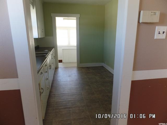 Additional photo for property listing at 5 CIRCLE WAY 5 CIRCLE WAY East Carbon, Utah 84520 Estados Unidos