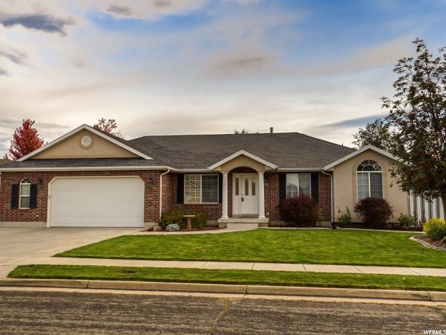 单亲家庭 为 销售 在 4165 S 2400 W Roy, 犹他州 84067 美国