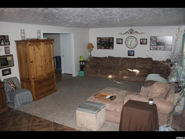 Additional photo for property listing at 97 N 200 E 97 N 200 E Gunnison, Utah 84634 États-Unis