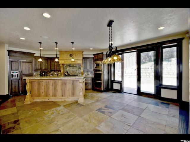 Additional photo for property listing at 2451 S DEER RUN CIRCLE Circle  Bountiful, Utah 84010 United States