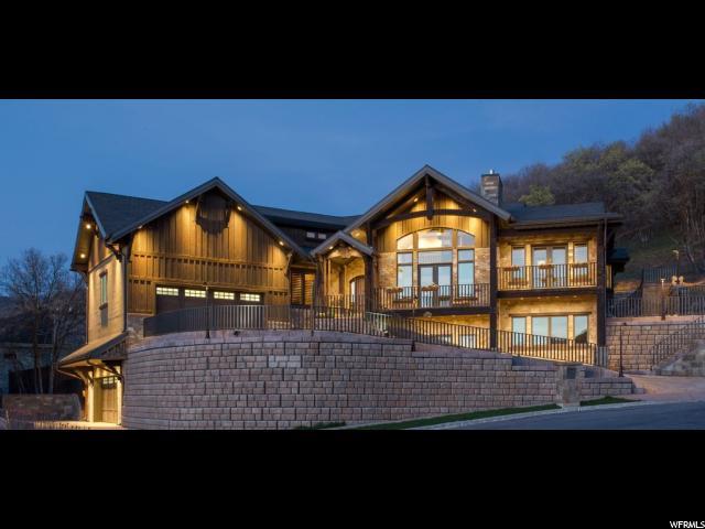 Single Family للـ Sale في 2451 S DEER RUN CIRCLE Circle Bountiful, Utah 84010 United States