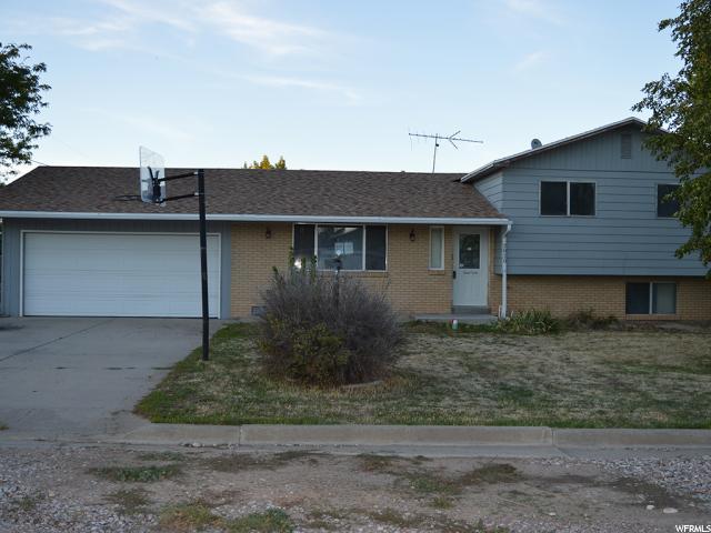 单亲家庭 为 销售 在 2820 W 1100 N Maeser, 犹他州 84078 美国