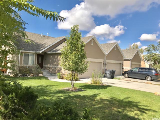 Triplex pour l Vente à 335 N 100 W Brigham City, Utah 84302 États-Unis