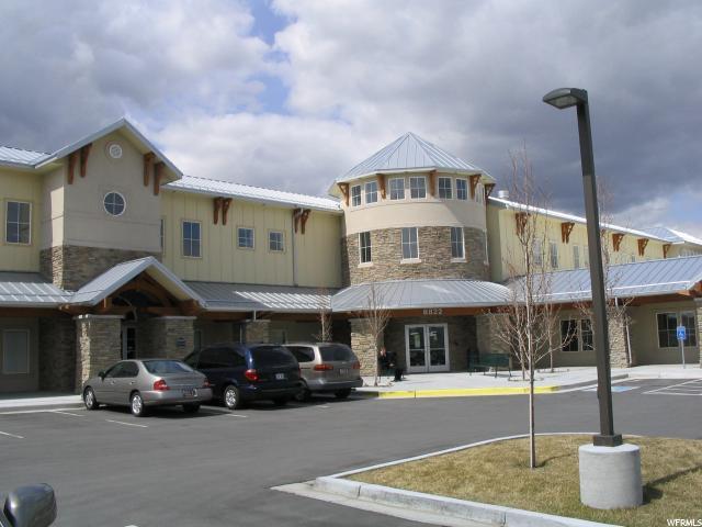 Commercial pour l à louer à 8822 S REDWOOD West Jordan, Utah 84088 États-Unis
