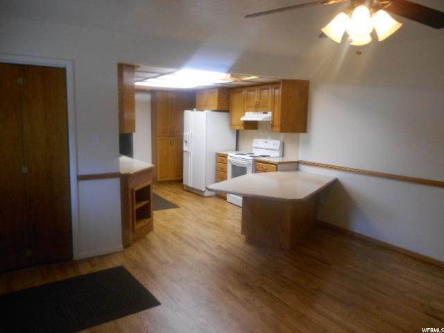 Additional photo for property listing at 890 S STATE Street 890 S STATE Street Genola, Utah 84655 États-Unis