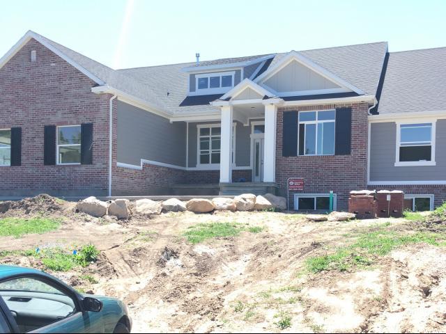 单亲家庭 为 销售 在 282 E MOSS HOLLOW HOLW Kaysville, 犹他州 84037 美国