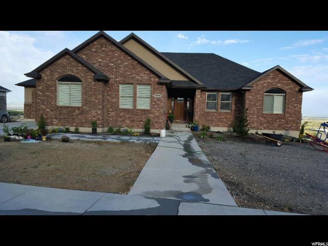 Unique la famille pour l Vente à 1850 S MAPLE HILLS Drive Perry, Utah 84302 États-Unis