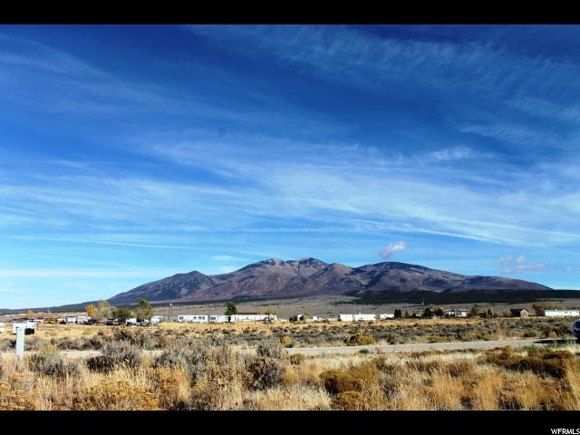 Additional photo for property listing at 97 W PEARLY 97 W PEARLY La Sal, Utah 84530 Estados Unidos