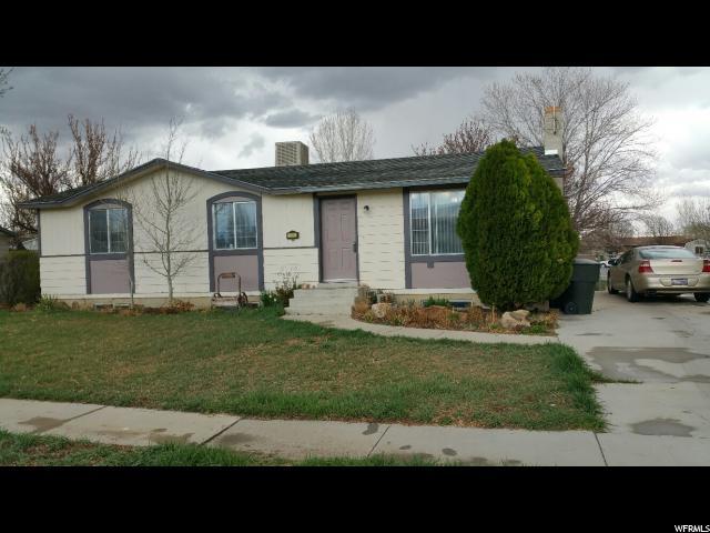 Unique la famille pour l Vente à 430 N CEDAR VIEW Lane Orangeville, Utah 84537 États-Unis