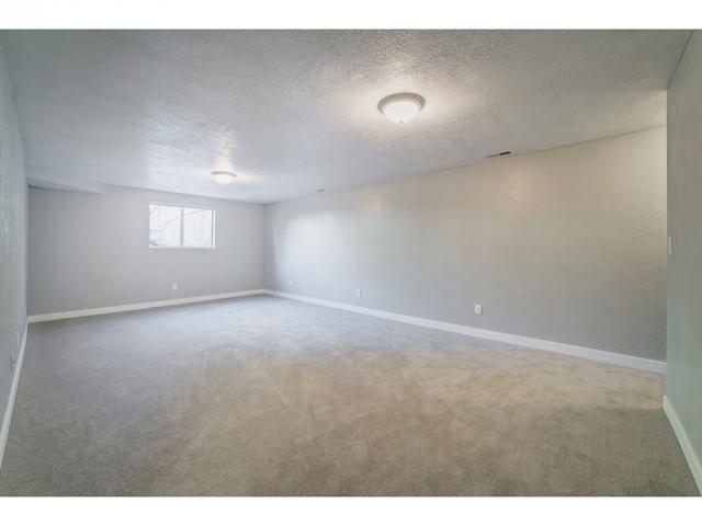 Additional photo for property listing at 1971 FALCON HURST Court  Sandy, Utah 84092 Estados Unidos