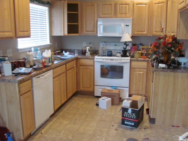 Additional photo for property listing at 1634 W 300 S 1634 W 300 S Unit: 36 Vernal, Юта 84078 Соединенные Штаты