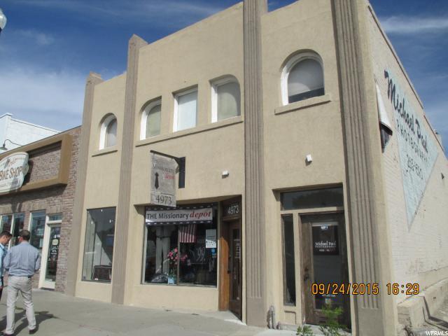 Commercial pour l à louer à 4973 STATE Street Murray, Utah 84107 États-Unis