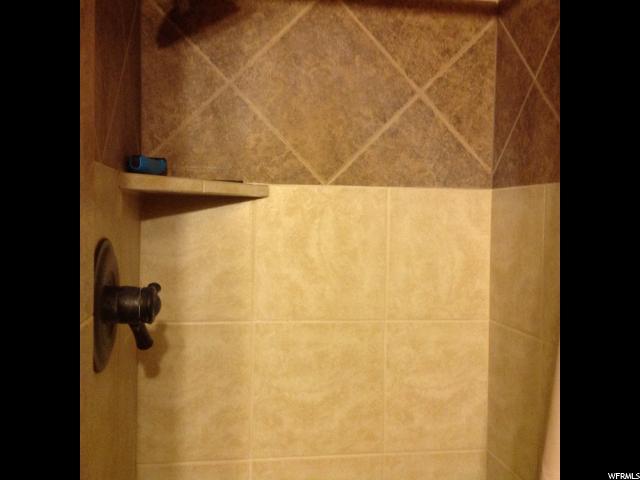 Additional photo for property listing at 165 N 200 E  Hyde Park, Юта 84318 Соединенные Штаты