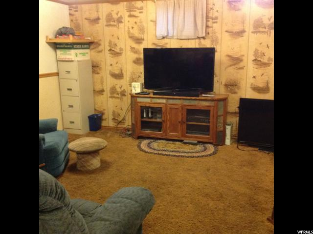 Additional photo for property listing at 165 N 200 E  Hyde Park, Utah 84318 United States