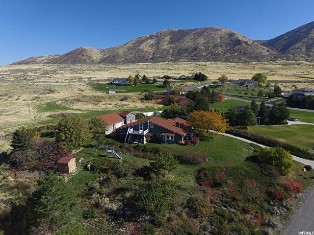 单亲家庭 为 销售 在 3226 W COBBLECREST Road Deweyville, 犹他州 84309 美国