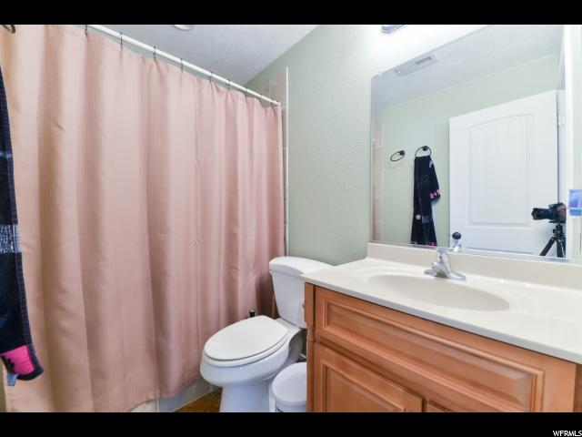 Additional photo for property listing at 867 E 420 S  Tooele, 犹他州 84074 美国