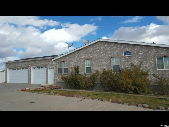 Additional photo for property listing at 950 N 176 W  Blanding, Utah 84511 États-Unis