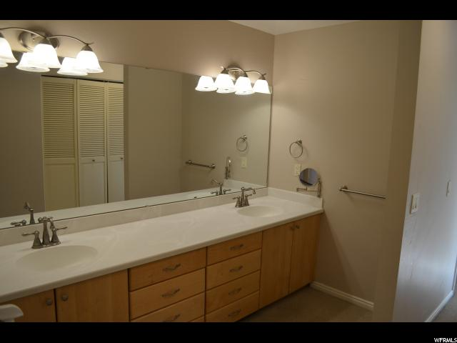 Additional photo for property listing at 6807 S PINE ROCK Circle  Cottonwood Heights, Utah 84121 États-Unis
