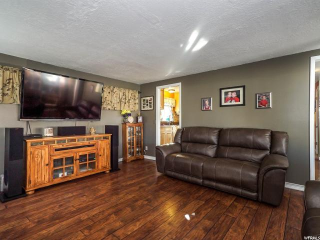 Additional photo for property listing at 5185 S 150 E  Ogden, Utah 84401 Estados Unidos